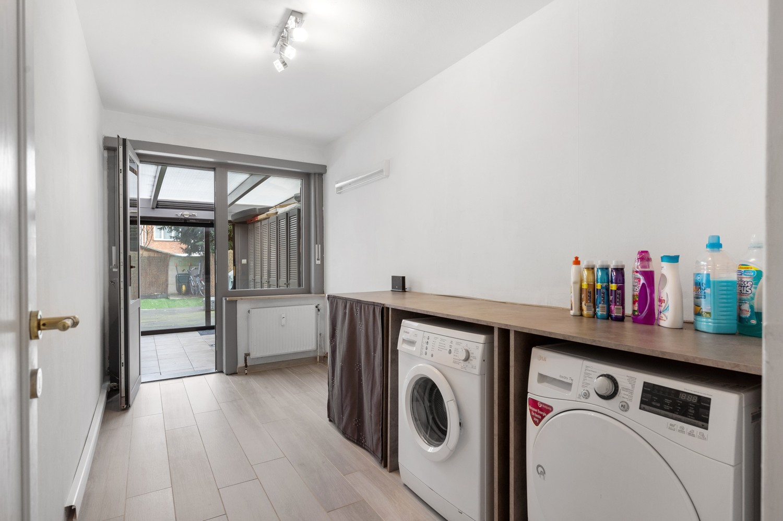 Gerenoveerd gelijkvloers appartement met 2 slaapkamers en tuin te Deurne! afbeelding 12