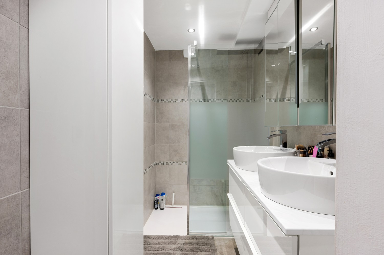 Gerenoveerd gelijkvloers appartement met 2 slaapkamers en tuin te Deurne! afbeelding 10