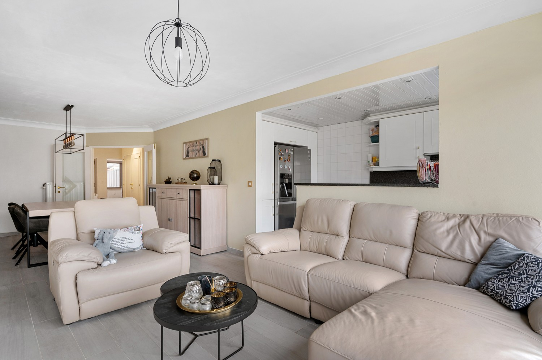 Gerenoveerd gelijkvloers appartement met 2 slaapkamers en tuin te Deurne! afbeelding 3