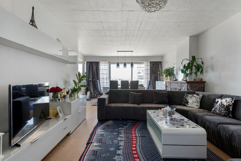Ruim appartement met 3 slaapkamers en terrasje op een goede locatie te Deurne! afbeelding 2