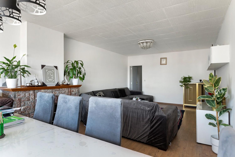 Ruim appartement met 3 slaapkamers en terrasje op een goede locatie te Deurne! afbeelding 7