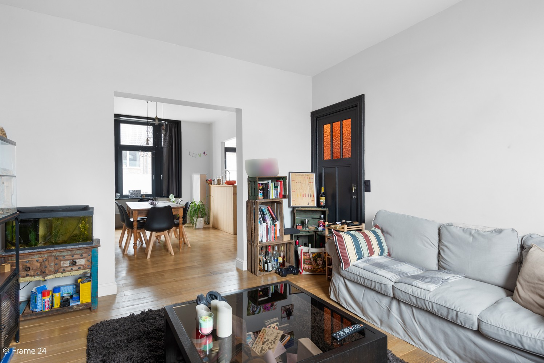 Charmante bel-étage woning met inpandige garage & tuin te Wijnegem! afbeelding 4