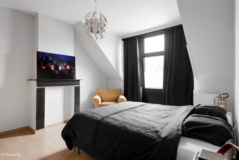 Charmante bel-étage woning met inpandige garage & tuin te Wijnegem! afbeelding 9