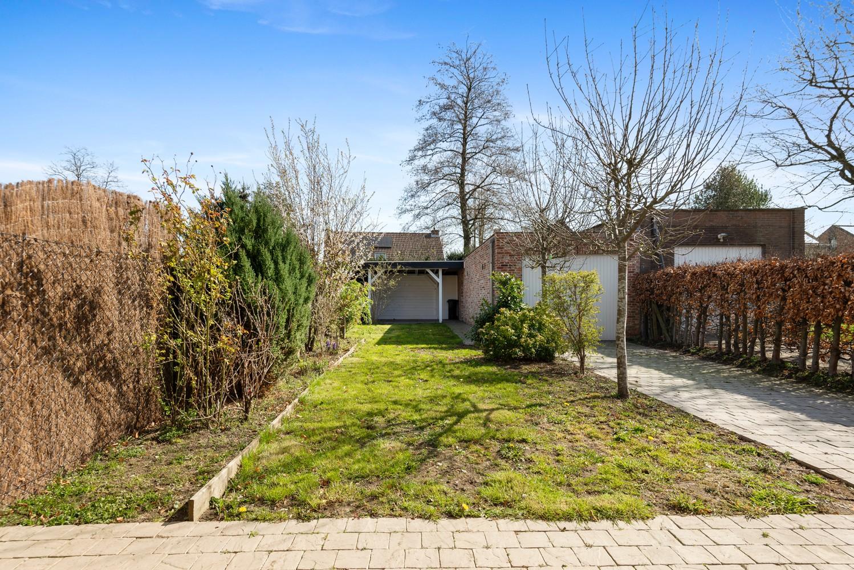Mooie woning met 2 à 4 slaapkamers en tuin op een rustige locatie in Ranst! afbeelding 5