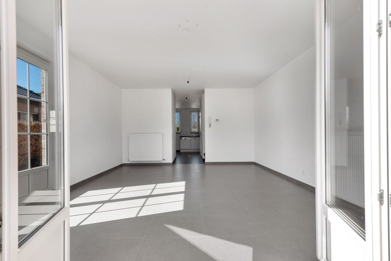 Mooie woning met 2 à 4 slaapkamers en tuin op een rustige locatie in Ranst! afbeelding 2