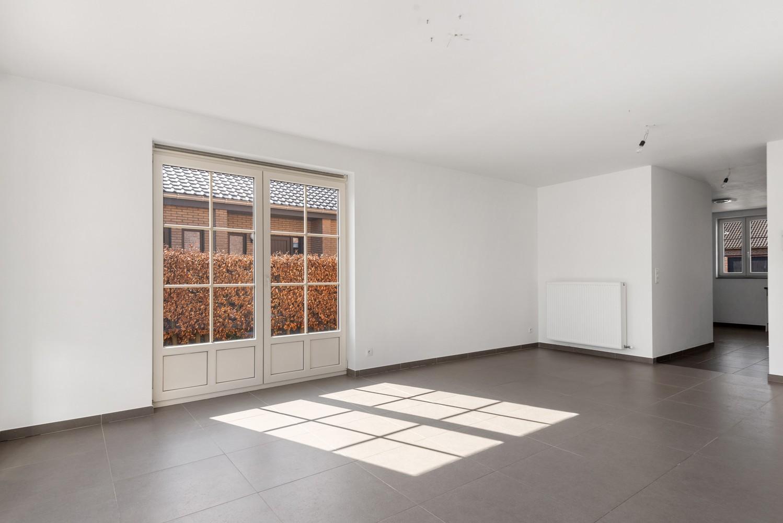 Mooie woning met 2 à 4 slaapkamers en tuin op een rustige locatie in Ranst! afbeelding 3