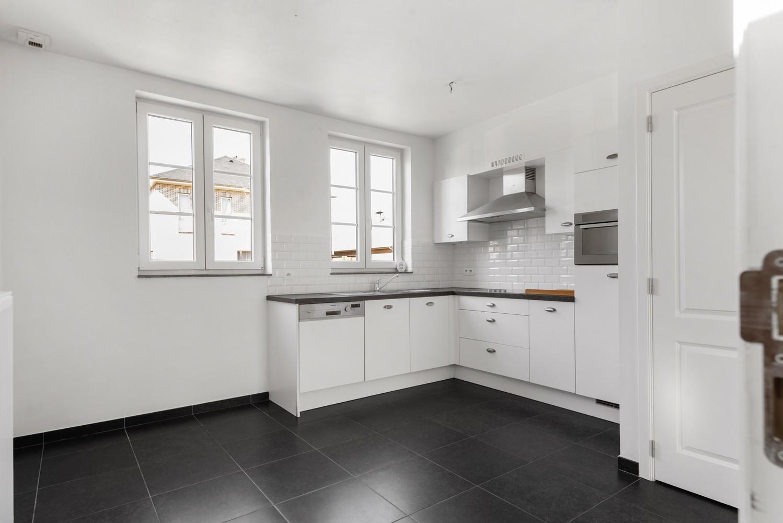 Mooie woning met 2 à 4 slaapkamers en tuin op een rustige locatie in Ranst! afbeelding 8