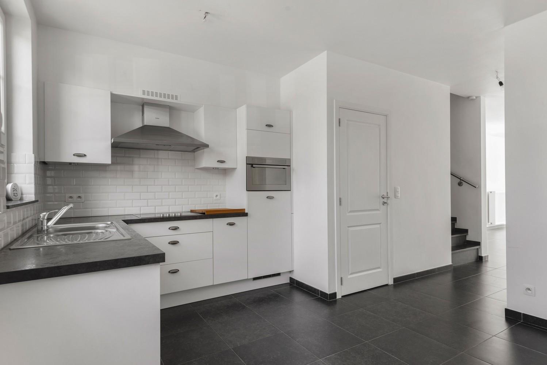 Mooie woning met 2 à 4 slaapkamers en tuin op een rustige locatie in Ranst! afbeelding 9
