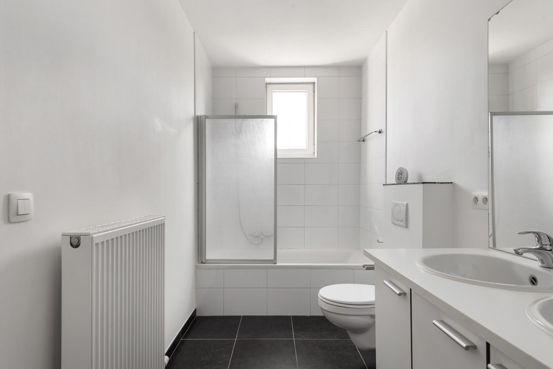 Mooie woning met 2 à 4 slaapkamers en tuin op een rustige locatie in Ranst! afbeelding 14