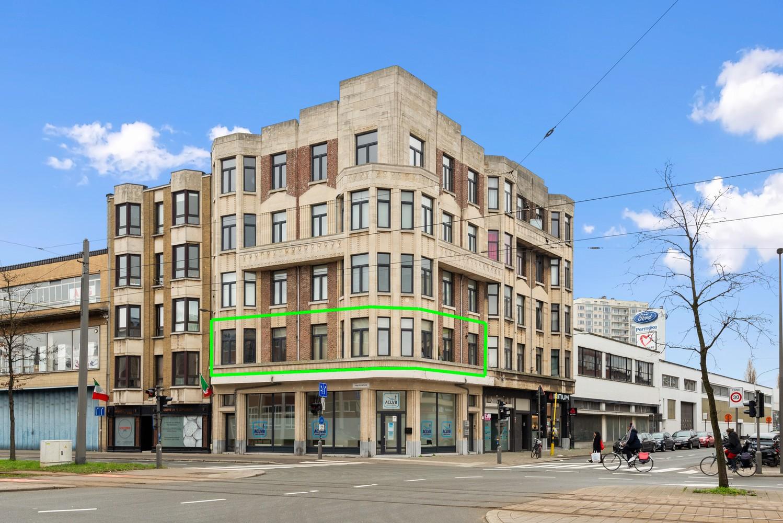 Heel mooi gerenoveerd en lichtrijk appartement (+/- 115 m²) nabij het Nachtegalenpark! afbeelding 3