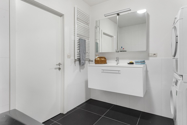 Heel mooi gerenoveerd en lichtrijk appartement (+/- 115 m²) nabij het Nachtegalenpark! afbeelding 19