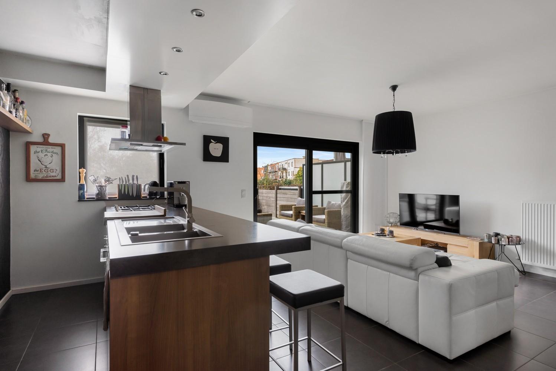 Instapklaar gelijkvloers appartement met 2 slaapkamers en zonnige tuin in centrum Duffel! afbeelding 4