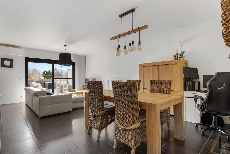 Instapklaar gelijkvloers appartement met 2 slaapkamers en zonnige tuin in centrum Duffel! afbeelding 7