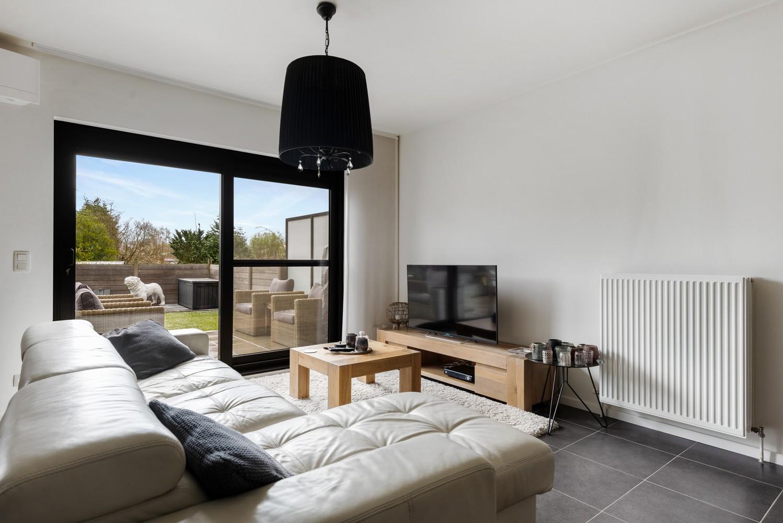 Instapklaar gelijkvloers appartement met 2 slaapkamers en zonnige tuin in centrum Duffel! afbeelding 9