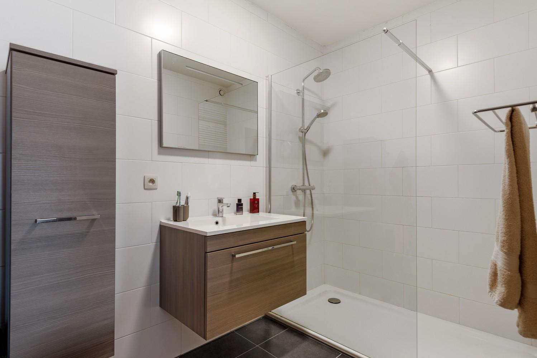 Instapklaar gelijkvloers appartement met 2 slaapkamers en zonnige tuin in centrum Duffel! afbeelding 17