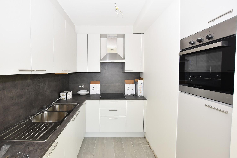 Recent appartement met twee slaapkamers en terras op rustige en groene locatie te Wijnegem! afbeelding 3