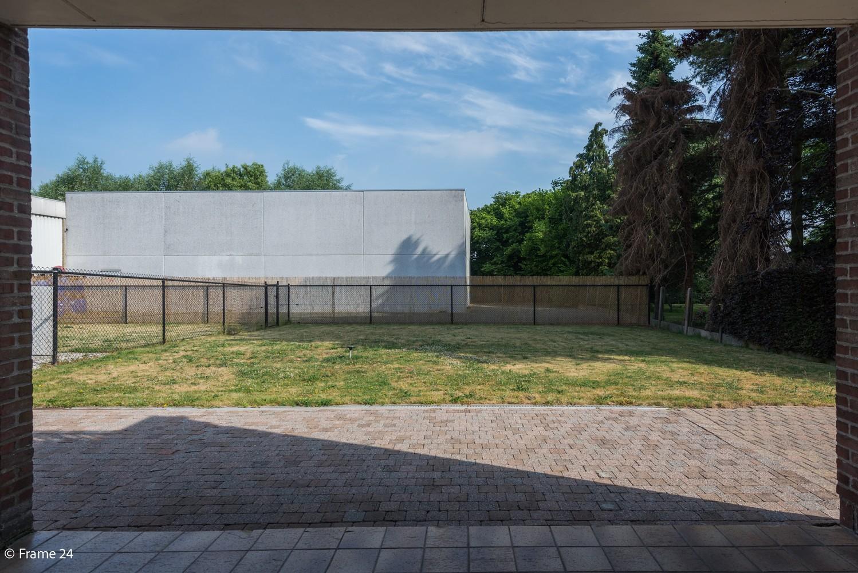Riante woning met groot woonvolume (226 m²) op centrale locatie te Wommelgem! afbeelding 28