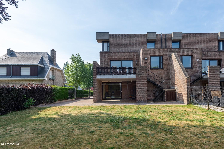 Riante woning met groot woonvolume (226 m²) op centrale locatie te Wommelgem! afbeelding 26
