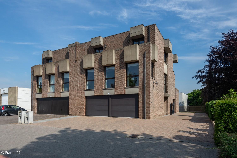 Riante woning met groot woonvolume (226 m²) op centrale locatie te Wommelgem! afbeelding 30