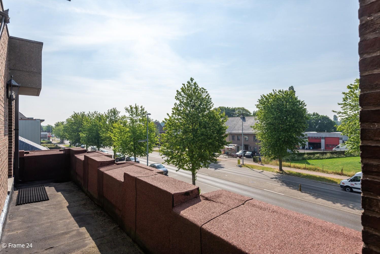 Riante woning met groot woonvolume (226 m²) op centrale locatie te Wommelgem! afbeelding 23