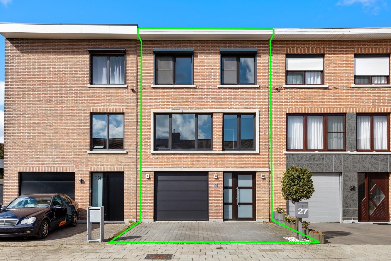 Gerenoveerde bel-etage met praktijk mogelijkheden, gelegen op centrale locatie in een rustige woonwijk afbeelding 1