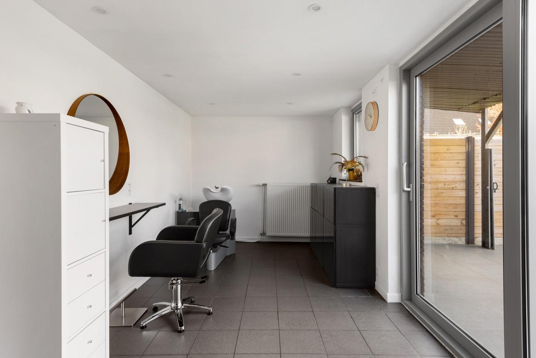 Gerenoveerde bel-etage met praktijk mogelijkheden, gelegen op centrale locatie in een rustige woonwijk afbeelding 5