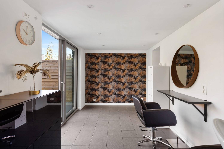 Gerenoveerde bel-etage met praktijk mogelijkheden, gelegen op centrale locatie in een rustige woonwijk afbeelding 6