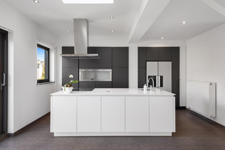 Gerenoveerde bel-etage met praktijk mogelijkheden, gelegen op centrale locatie in een rustige woonwijk afbeelding 12