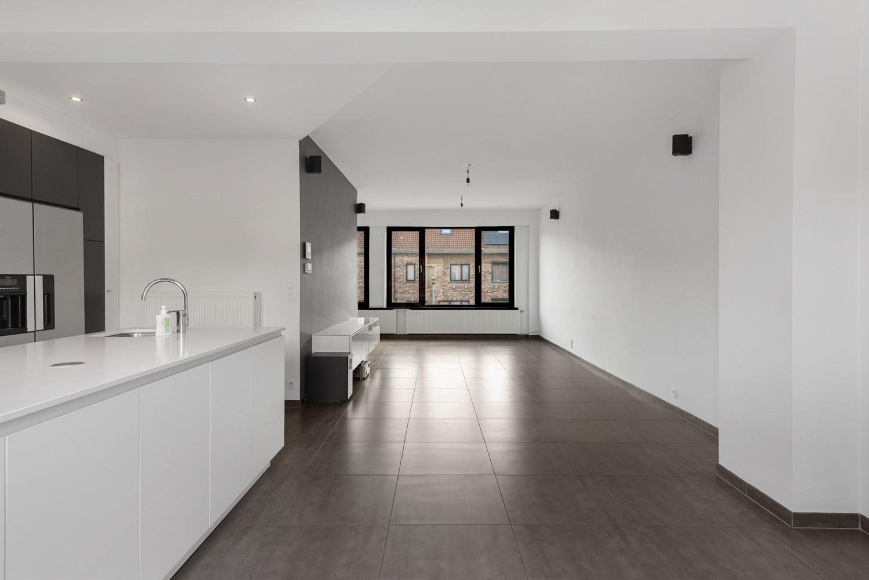 Gerenoveerde bel-etage met praktijk mogelijkheden, gelegen op centrale locatie in een rustige woonwijk afbeelding 13