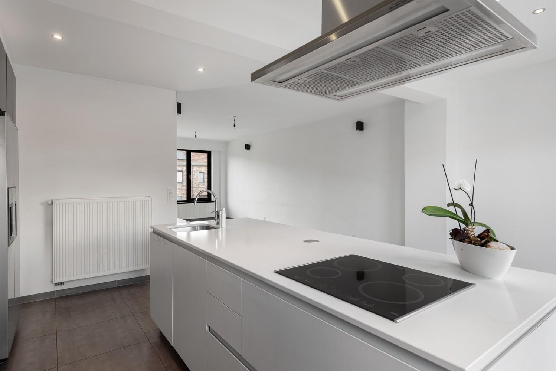 Gerenoveerde bel-etage met praktijk mogelijkheden, gelegen op centrale locatie in een rustige woonwijk afbeelding 14