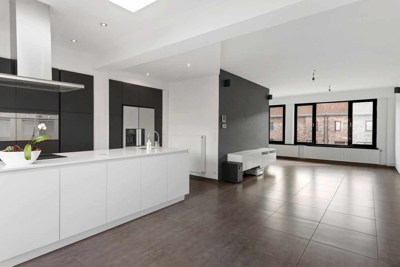 Gerenoveerde bel-etage met praktijk mogelijkheden, gelegen op centrale locatie in een rustige woonwijk afbeelding 16