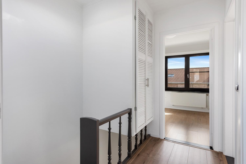 Gerenoveerde bel-etage met praktijk mogelijkheden, gelegen op centrale locatie in een rustige woonwijk afbeelding 18