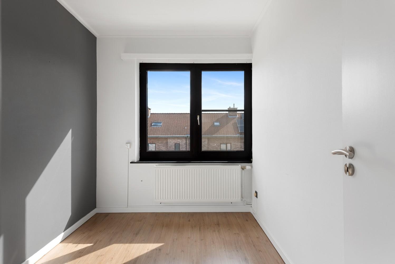Gerenoveerde bel-etage met praktijk mogelijkheden, gelegen op centrale locatie in een rustige woonwijk afbeelding 19
