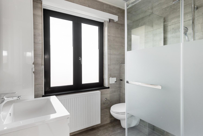Gerenoveerde bel-etage met praktijk mogelijkheden, gelegen op centrale locatie in een rustige woonwijk afbeelding 20