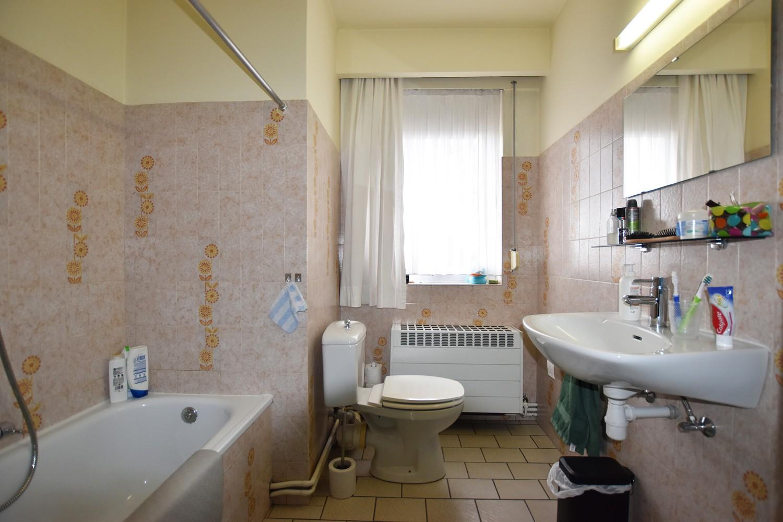 Verzorgd appartement op de tweede verdieping met twee slaapkamers te Wijnegem! afbeelding 10