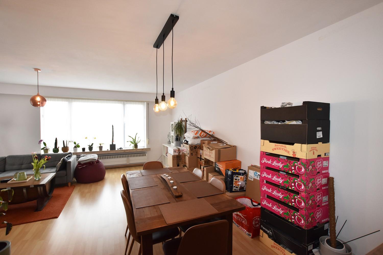 Verzorgd appartement op de tweede verdieping met twee slaapkamers te Wijnegem! afbeelding 3