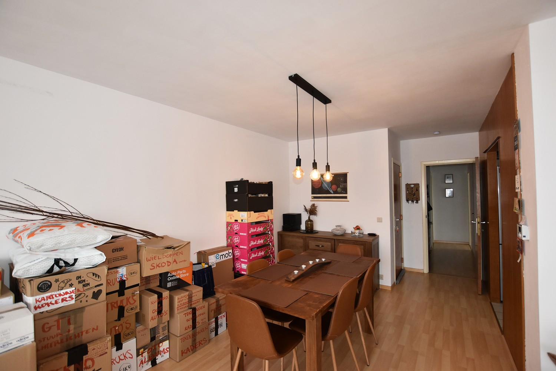 Verzorgd appartement op de tweede verdieping met twee slaapkamers te Wijnegem! afbeelding 4