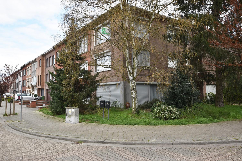 Verzorgd appartement op de tweede verdieping met twee slaapkamers te Wijnegem! afbeelding 11