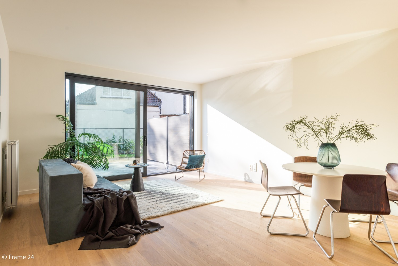 Prachtig gelijkvloers nieuwbouwappartement (± 110 m²) met 3 slaapkamers, zuid-gericht terras & parktuin afbeelding 2
