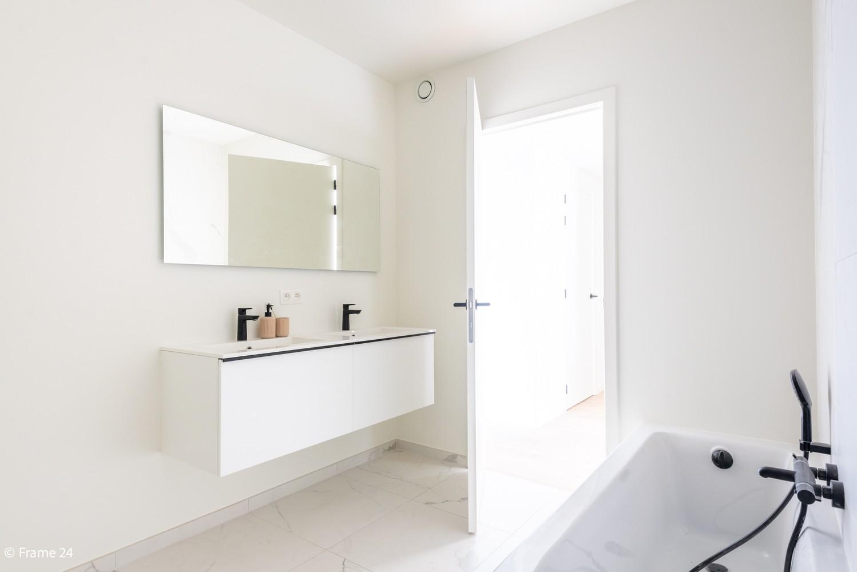 Prachtig gelijkvloers nieuwbouwappartement (± 110 m²) met 3 slaapkamers, zuid-gericht terras & parktuin afbeelding 14