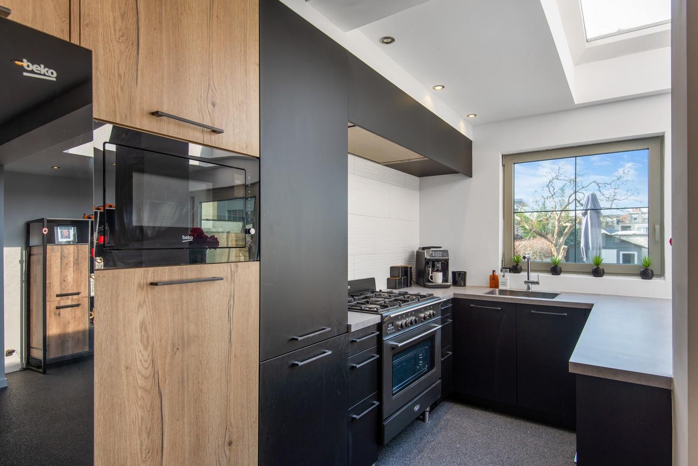 Gerenoveerde woning met drie slaapkamers en zuidgerichte tuin te Schoten! afbeelding 6