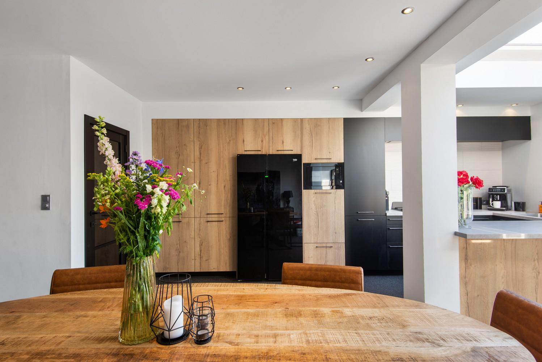 Gerenoveerde woning met drie slaapkamers en zuidgerichte tuin te Schoten! afbeelding 2