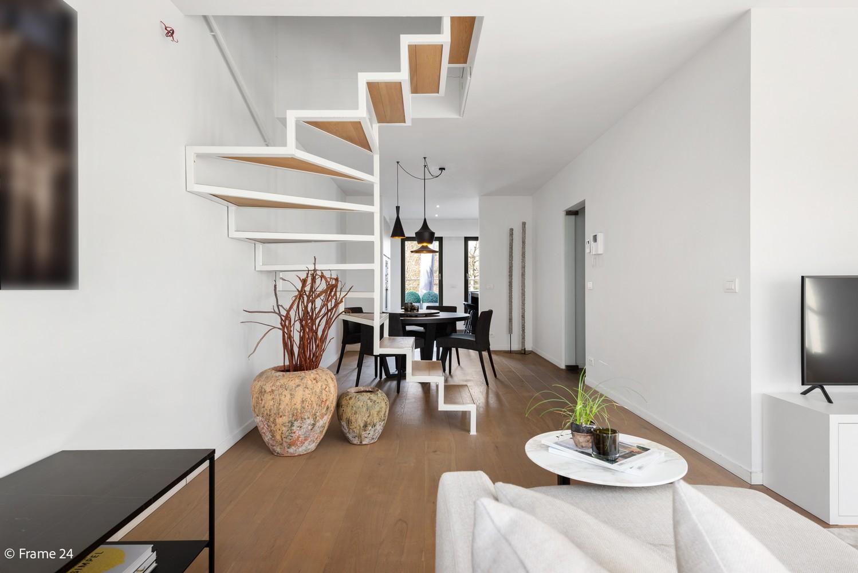 Prachtig duplex-dakappartement met twee terrassen en garagebox te Schilde! afbeelding 4