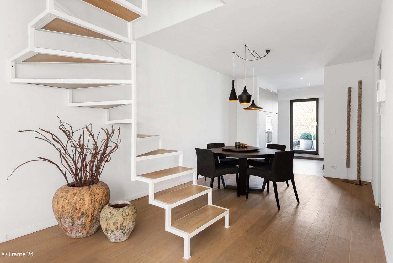 Prachtig duplex-dakappartement met twee terrassen en garagebox te Schilde! afbeelding 5