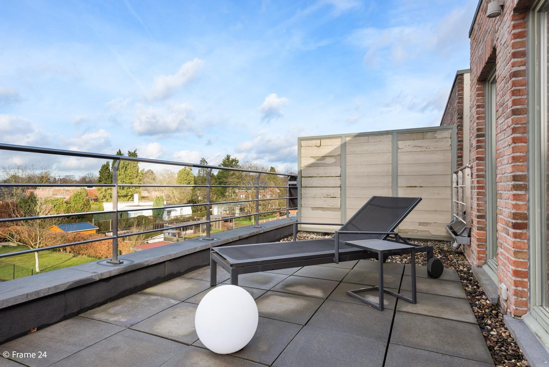 Prachtig duplex-dakappartement met twee terrassen en garagebox te Schilde! afbeelding 15