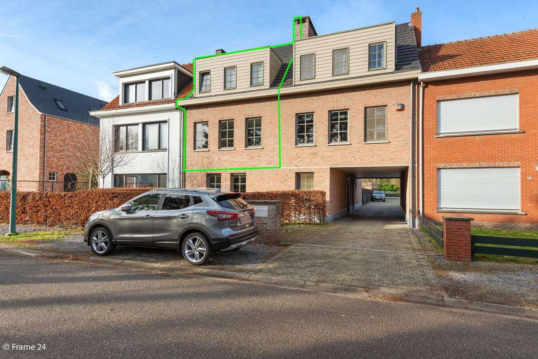 Prachtig duplex-dakappartement met twee terrassen en garagebox te Schilde! afbeelding 16