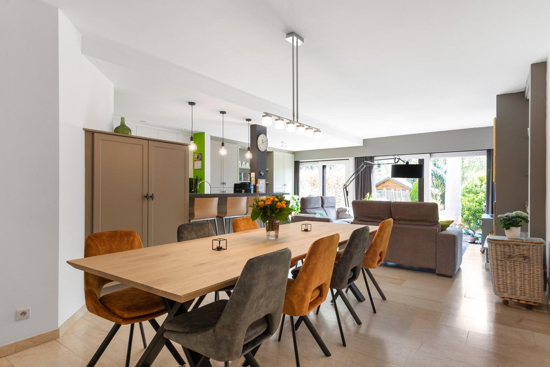 Zeer gunstig gelegen woning met 4 slaapkamers & tuin in Mortsel! afbeelding 1