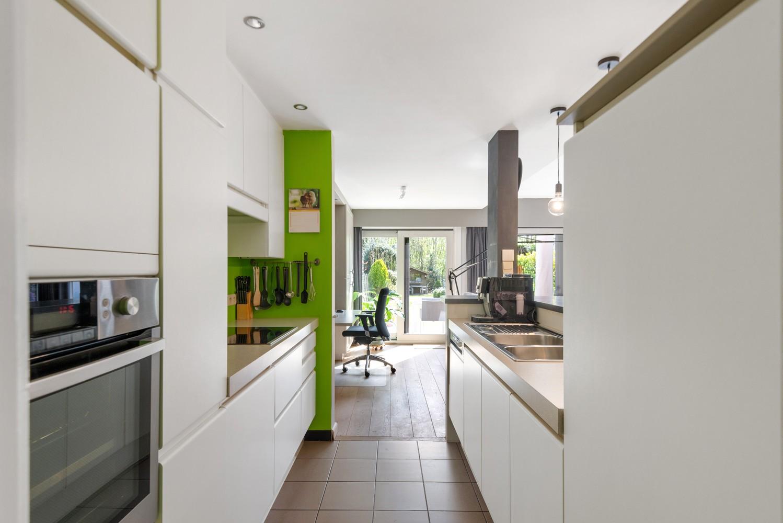 Zeer gunstig gelegen woning met 4 slaapkamers & tuin in Mortsel! afbeelding 6