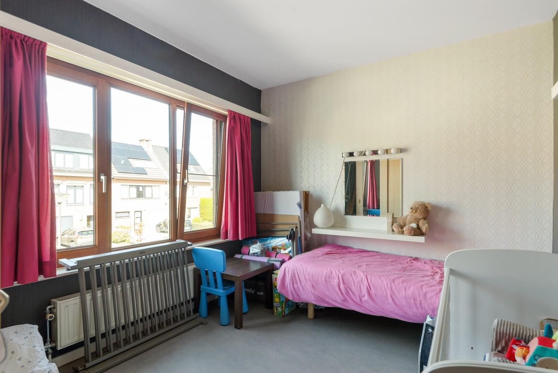 Zeer gunstig gelegen woning met 4 slaapkamers & tuin in Mortsel! afbeelding 11