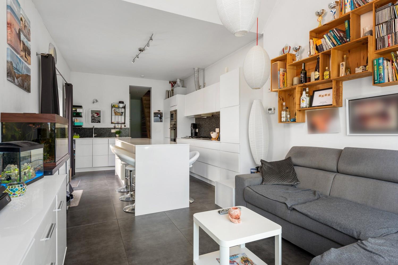 Instapklare half open woning met ruime tuin op toplocatie te Wijnegem! afbeelding 4